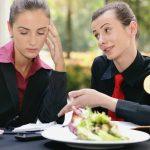 Warum Stress dich zum Mehr-Essen bringen kann und wie du dies stoppen kannst